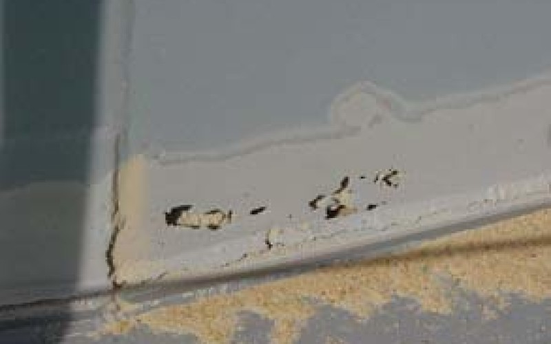 Corroded joint between the deck and the vessel