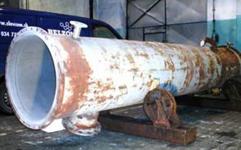 Corroded reaction tower after blasting internally