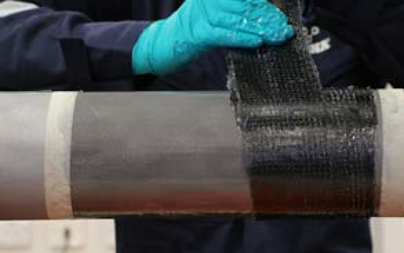 Application of the Belzona 9381 reinforcement sheet building to the correct thickness